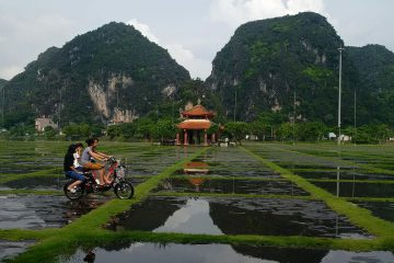 Hoa Lu and Trang An excursion